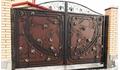 Ворота с кружевными элементами ковки