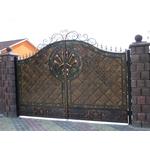 Ворота кованые со шпильками