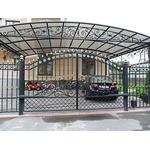 Металлический кованый навес отдельно стоящий перед фасадом здания