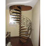 Металлические кованые перила для лестницы витые
